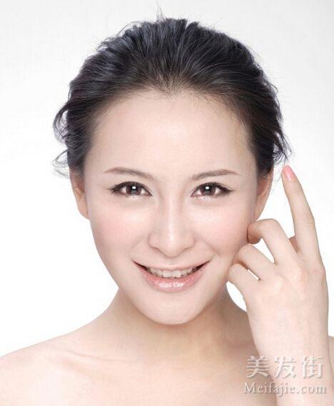 李欣桐《东北往事》中饰演毛琴