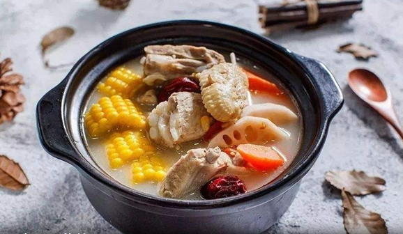 喝汤,真的没营养吗?其实骨头里的钙很难煮出来