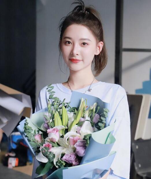 《她和他的恋爱剧本》杀青 刘芷微饰健身房老板桃子